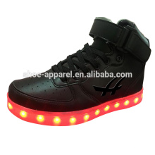 novo PU de alta qualidade sapatos de couro LED luzes sapatos LED sapato esporte