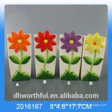 Elegante humidificador de aire de cerámica con diseño de flores