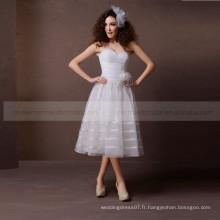 Élégant plaine Une ligne de coeur doux avec une belle robe de mariée à la main faite à la main