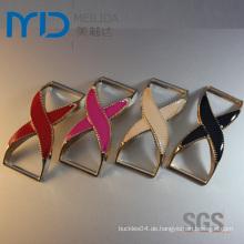 Günstige Öl-Drop Kunststoff-Schuh-Zubehör und Dekorationen mit Cross-Style