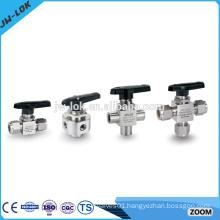 Threaded stainless steel cross ball valves