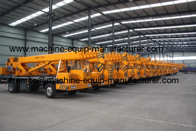 truck crane warehouse