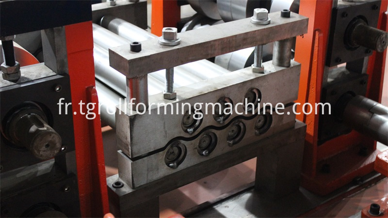 High-speed Guardrail Forming Machine