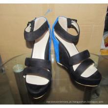 Moda salto alto preto mulheres sandálias de cunha (HCY02-1630)