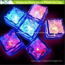 Capteur d'eau clignotant LED Cubes de glace rougeoyante Décor buvable pour événement