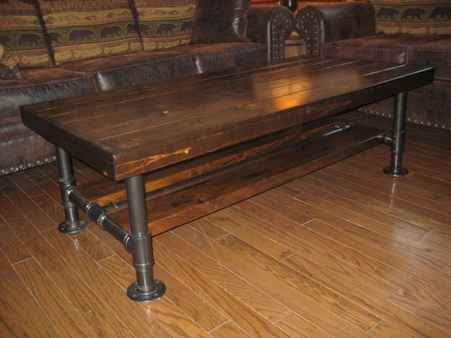 DIY vintage pallet end table with black pipe legs 3