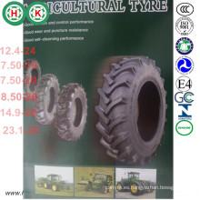 Implemente los neumáticos agrícolas y los campos de arroz