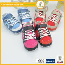 2015 zapatos de bebé baratos de cuero suaves de la alta calidad caliente al por mayor del nuevo estilo de la venta al por mayor de China