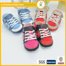2015 Chine en gros nouveau style de vente chaude haute qualité chaussures de bébé en cuir souple