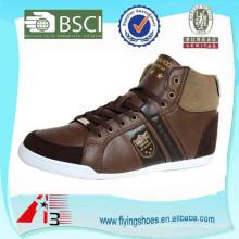 Sapatos de couro casual minimalista para homens