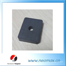 Hard ferrite magnet with hole in centre
