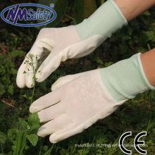 Luvas brancas revestidas nitrilo do cuidado da mão de NMSAFETY