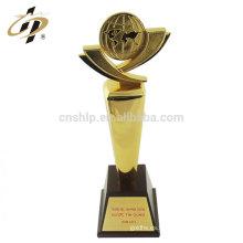 Nuevo producto para personalizar tazas de trofeos de metal de diseño con base de madera