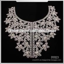 El último ajuste cristalino brillante del ajuste del Rhinestone Applique / collar cristalino del ajuste para el cordón del vestido de boda