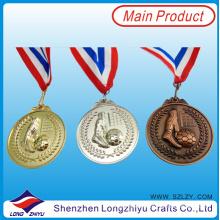 Kundenspezifische Medaillen-Band-Metallgedenkmedaillen des Ehrensports 2014 Kundenspezifische Fußball-Medaillen-Band-Metallgedenkmedaillen des Sports