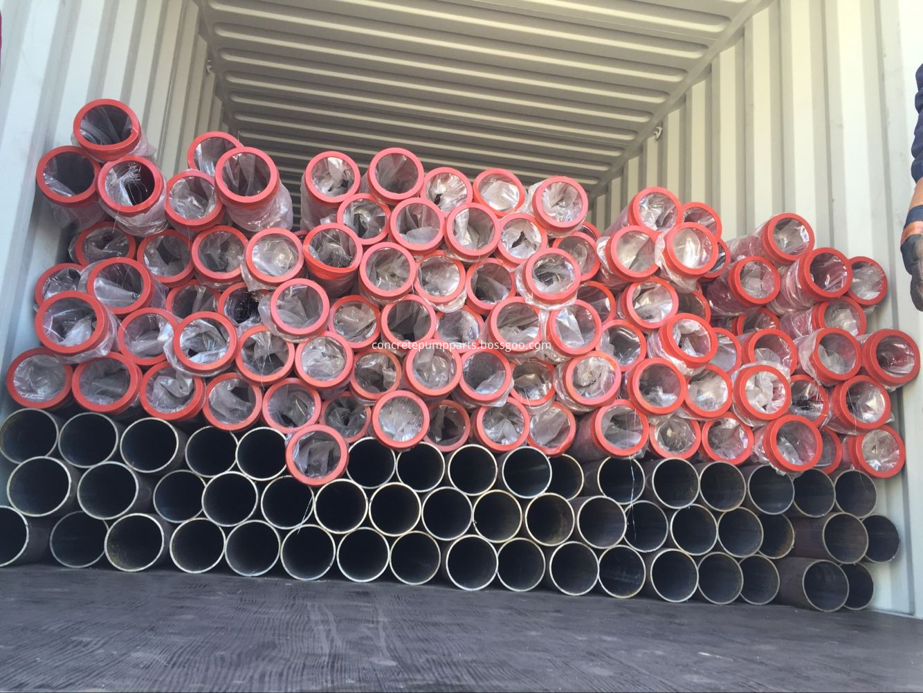 concrete pump pipe container loading