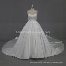 W002 Différents types satin long tail Robes de mariée pour mariage