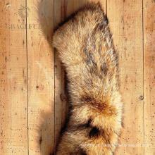 Gola de pele confortável e punho definido para casaco