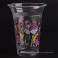 Coloridas tazas de plástico desechables