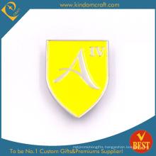 Custom Personal Design Logo Metal 2D Yellow Pin Badge of Baking Finish