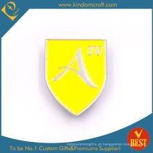 Emblema amarelo pessoal feito sob encomenda do Pin do metal 2D do logotipo do projeto do revestimento de cozimento
