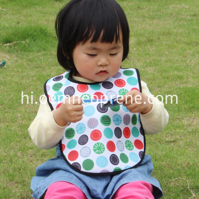 Waterproof neoprene baby bibs
