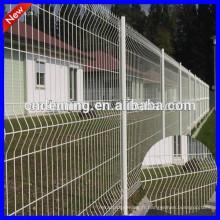 Triangle revêtu de PE Clôture de treillis métallique, clôture en treillis métallique, clôture