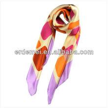 Écharpe en soie en soie imprimée à la mode