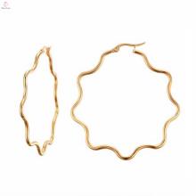 Trendy Natural Gold Flower Earrings para niñas pequeñas