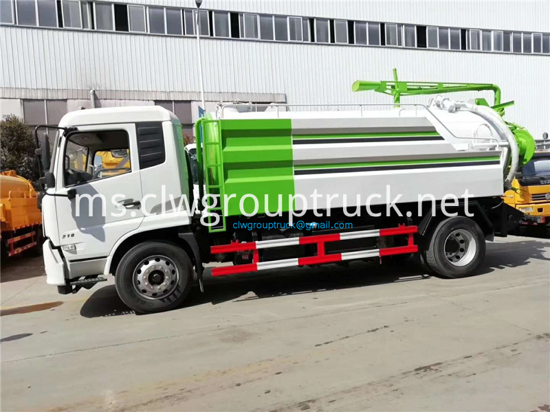 High Pressure Cleaning Suction Truck 2