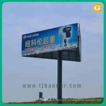 Publicidad cartelera banner al aire libre