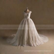 Maravilloso vestido de bola de la reina rebordeado vestido de boda con tren largo