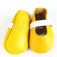 Venda por atacado alibaba sola plana em couro sapatos de festa para bebês com fita elástica