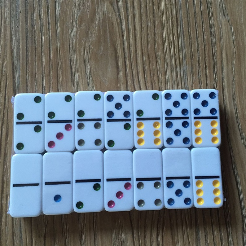 color dots dominoes