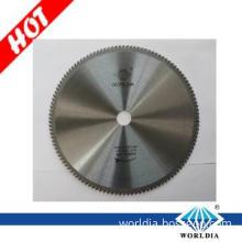 Tungsten carbide circular saw blade for aluminum material