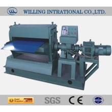 Automatic embossing machine for stainless steel