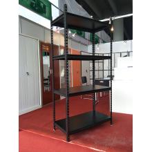 Prateleiras de armazenamento de metal para sala de estar simples