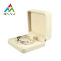 Beige Smooth Velvet Jewelry Packaging Box für Armreif