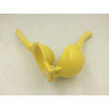 Good Sale Kitchen Using by Hand Lemon Squeezer (WG102)