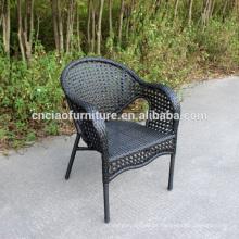 Cadeira de jardim empilhável de vime sintético ao ar livre