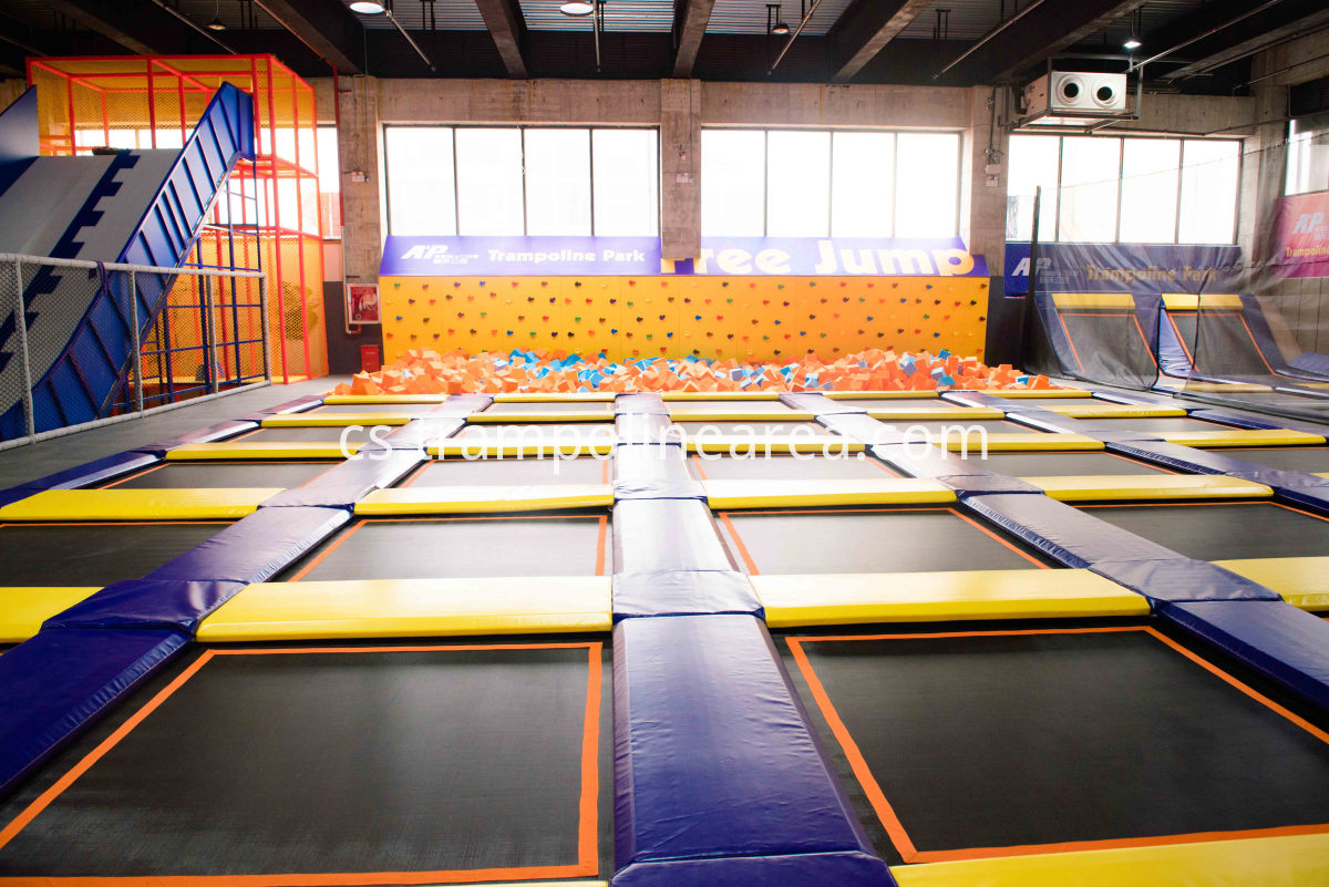 Trampolin park wipeout