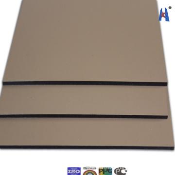 À l'aide d'un panneau composite composé de matériaux de construction de style nouveau