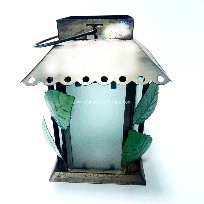 Metal House And Leaves Lantern Decor