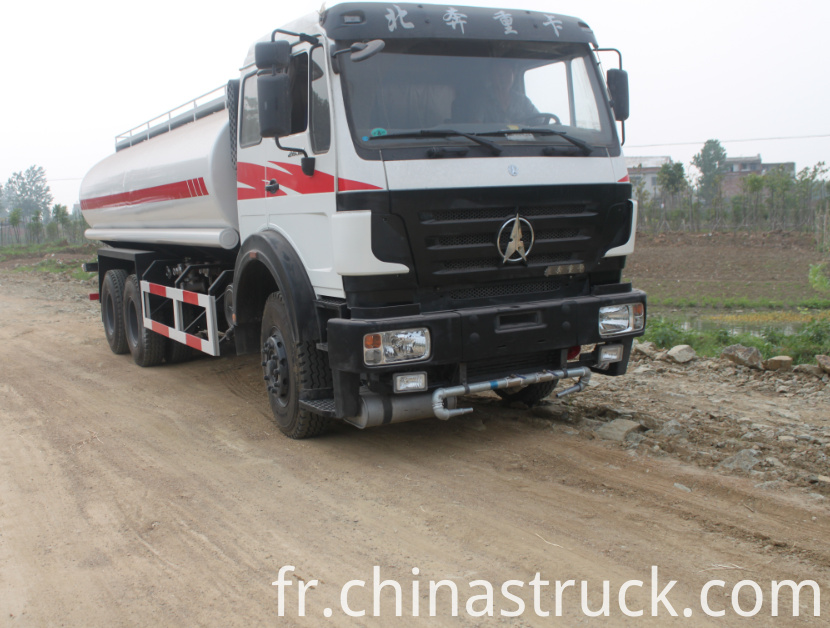 High performance water truck 20CBM