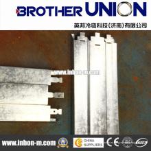 Metal de la puerta que dobla que forma la máquina
