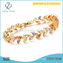 Bracelete de punho de prata de platina das mulheres, design de pulseira de senhoras de diamante