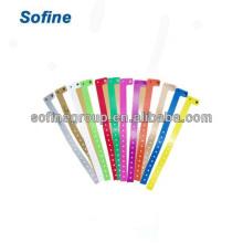L Форма Пластиковый браслет, одноразовый браслет для винилового удостоверения, пользовательские виниловые браслеты