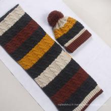 Série de conception de rayures de mode hiver tricoté chapeau et écharpe acrylique
