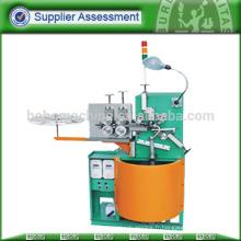 Machine de fabrication de tuyaux en acier flexible
