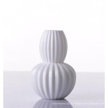 Vase en verre soufflé coloré décoratif